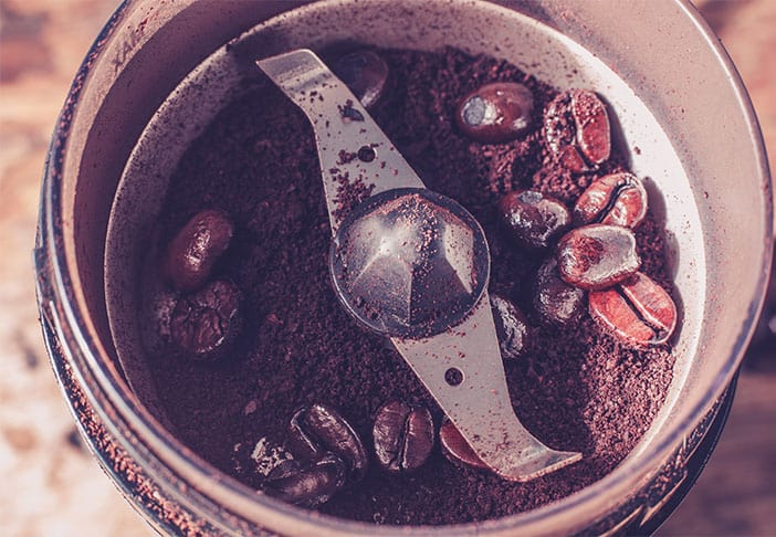 Is a burr or blade coffee grinder better?